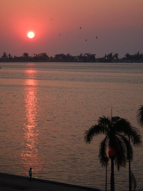 Pôr do Sol na Baía de Luanda