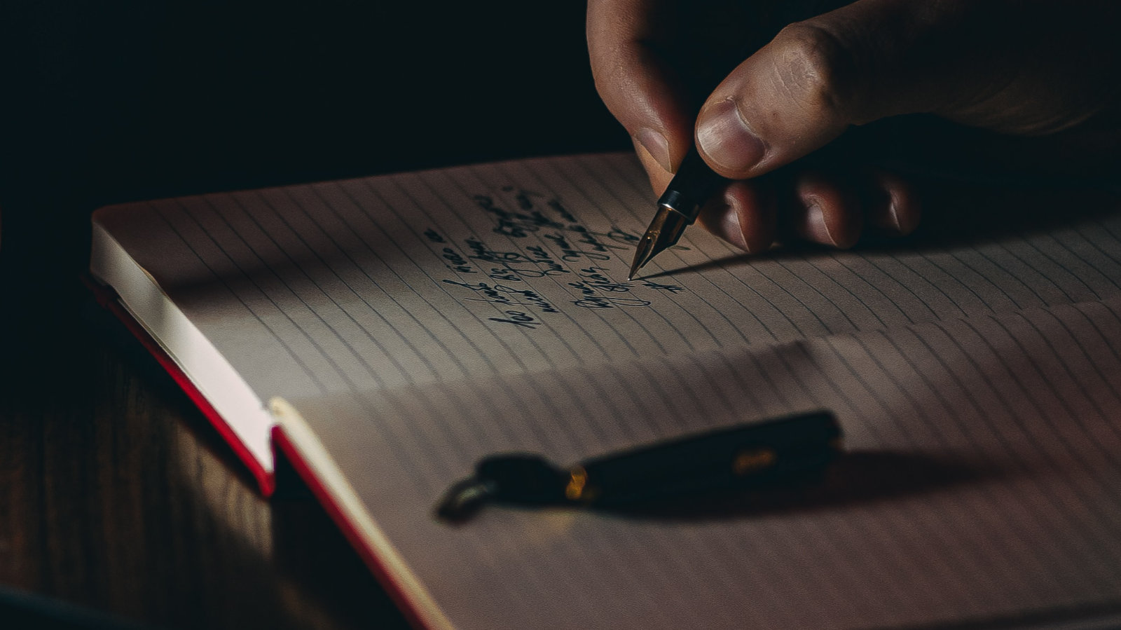 Oito coisas difíceis de explicar aos jovens escritores